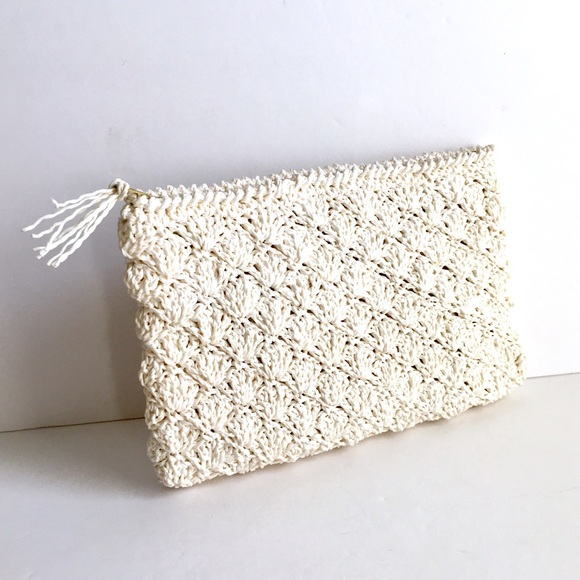 780880bdd8a Vintage Woven Straw Clutch Purse Off White 33 East